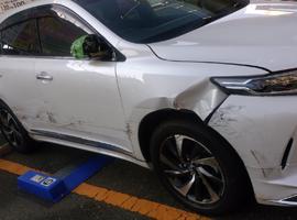 大阪エリアの事故車・廃車事例:ハリアー